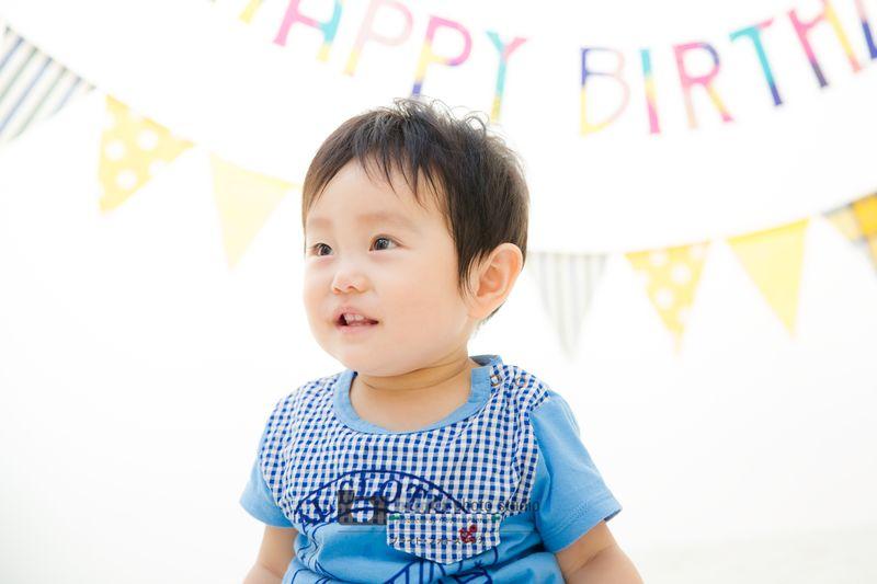 西宮市甲子園写真スタジオフォトスタジオお誕生日1歳記念カジュアルフォト