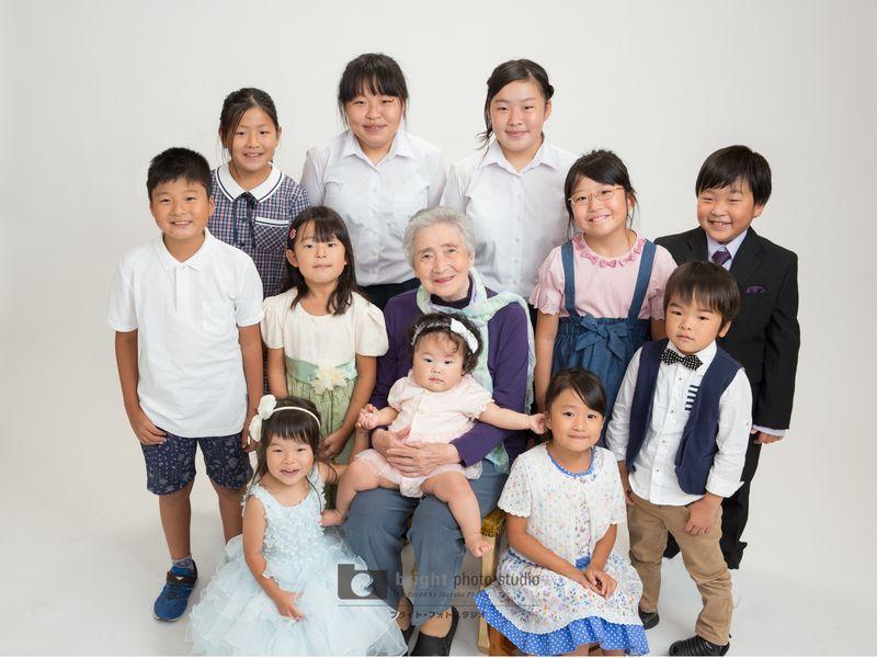 西宮市甲子園写真館フォトスタジオ米寿記念集合写真長寿遺影用
