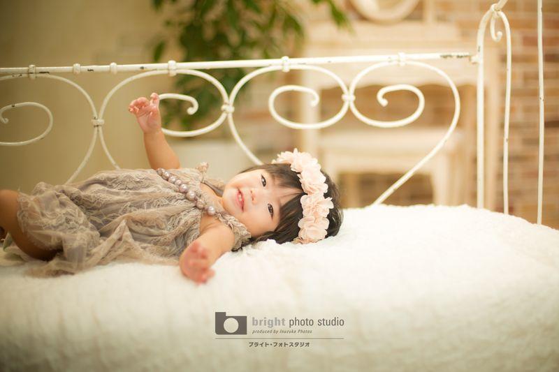 西宮市甲子園写真館フォトスタジオ赤ちゃんハーフバースデーモデル撮影